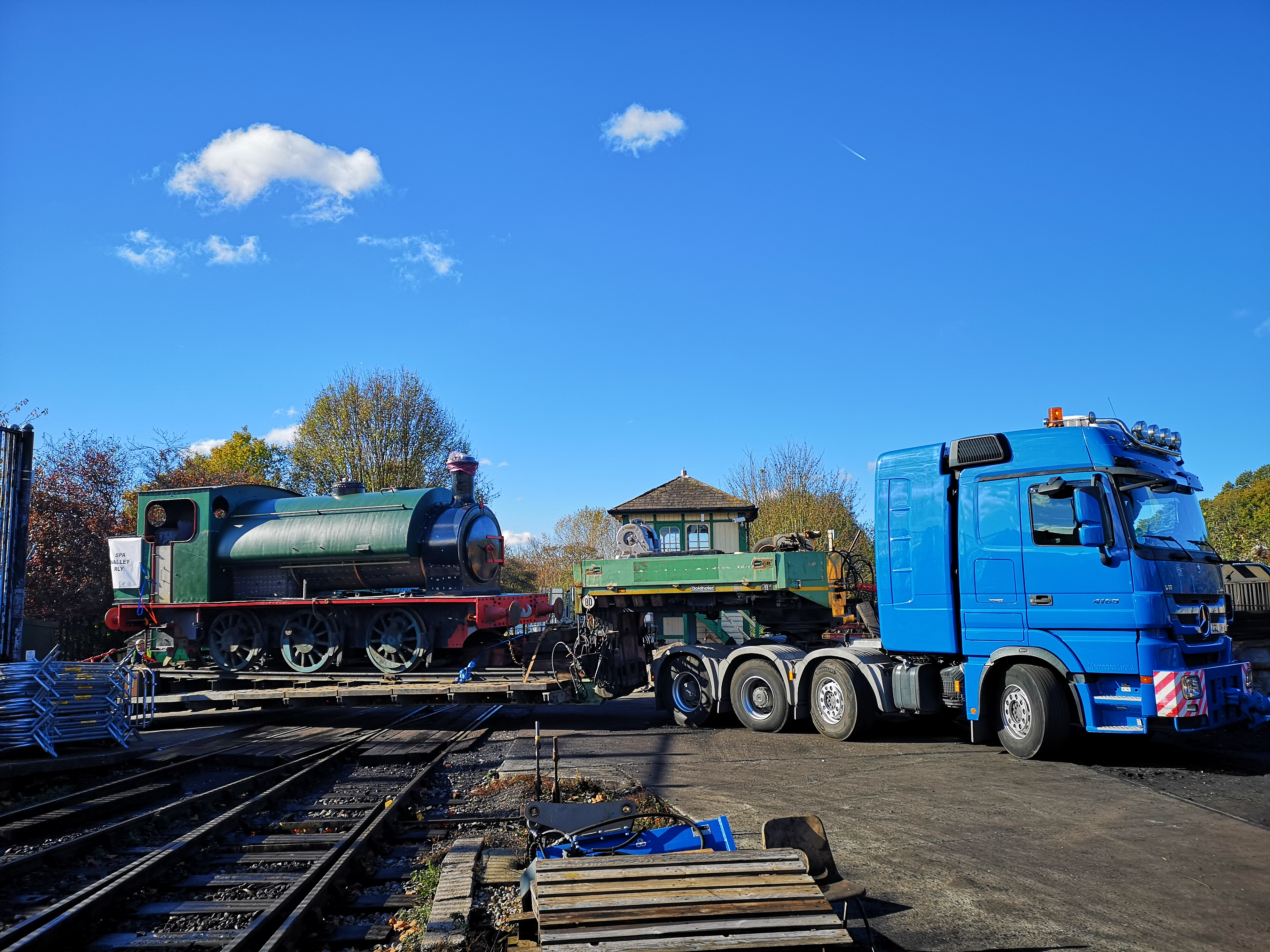 The engine arrives at Tunbridge Wells West